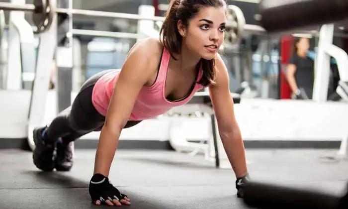 «Мужские» упражнения, которые нужно делать каждой девушке