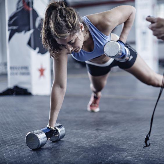 5 эффективных упражнений для тех, кому лень идти в спортзал